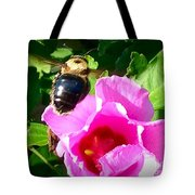 Bumble Bee Flying To Flower Tote Bag