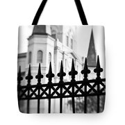 Catheral Basilica - Bw Tote Bag