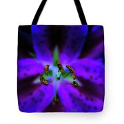 Center Of The Asiatic Lily Tote Bag