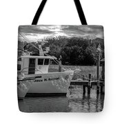 Charleston Star In Monochrome Tote Bag