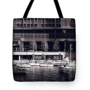 Chicago River Boats Bw Tote Bag
