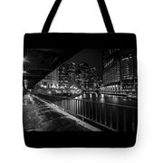 Chicago River View In Black And White  Tote Bag