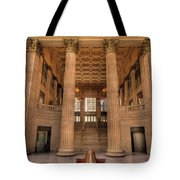 Chicagos Union Station Waiting Hall Tote Bag