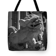 Chinese Guardian Male Lion B W Tote Bag