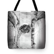 Christmas Wreath In Winter Tote Bag