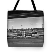 Churchill Downs' Winner's Circle In Black And White Tote Bag