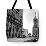 City Hall B-w Tote Bag