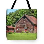 Classic Old Red Barn In Vermont Tote Bag