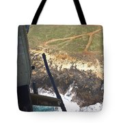 Coming In To The  Lz Tote Bag