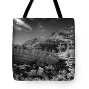 Cottonwood Creek Strange Rocks 3 Bw Tote Bag by Roger Snyder