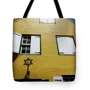 Courtyard Of Curacao Synagogue Mikve Israel-emanuel Tote Bag