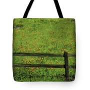 D7b6306 Fence And Poppies Tote Bag