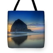 Day's End In Cannon Beach Tote Bag