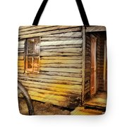 Do-00040 Old House Front Tote Bag