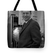 Donald Glaser, American Physicist Tote Bag
