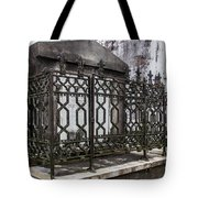 Double-crossed Tote Bag
