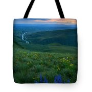 Dusk Over The Yakima Valley Tote Bag