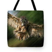 Eagle Owl Landing Tote Bag