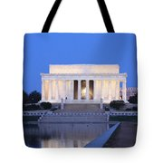 Early Washington Mornings - The Lincoln Memorial Tote Bag
