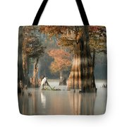 Egret Enjoying Foggy Morning In Atchafalaya Tote Bag