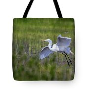 Egret In Flight Tote Bag