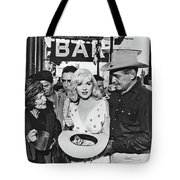 Estelle Winwood Marilyn Monroe Clark Gable Eli Wallach Montgomery Clift The Misfits Reno Nevada 1961 Tote Bag