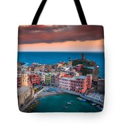 Evening Rolls Into Vernazza Tote Bag