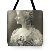 Fashion: Woman Tote Bag