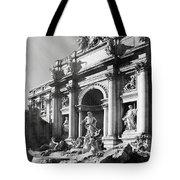 Fontana Di Trevi Rome, Italy - Bw Tote Bag