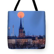 Full Moon Rising Over Gamla Stan In Stockholm Tote Bag
