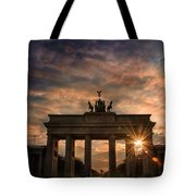 Gate Sunset Tote Bag