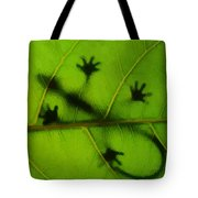 Gecko On A Leaf Tote Bag