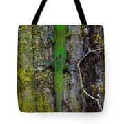 Gecko On Tree Bark Tote Bag