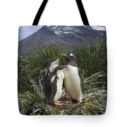 Gentoo Penguin And Young Chicks Tote Bag by Suzi Eszterhas