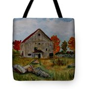 Glover Barn In Autumn Tote Bag