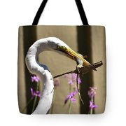 Great Egret With Lizard Who Is Holding Onto Wood Tote Bag