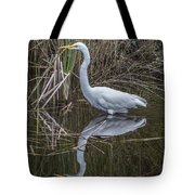 Great Egret With Reflection Tote Bag