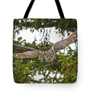 Great Horned Owl Takeoff Tote Bag