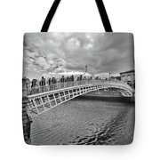Ha' Penny Bridge In Black And White Tote Bag