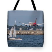 Hainan Airlines 787 Dreamliner Landing At Logan Tote Bag