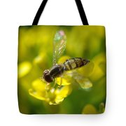 Hoverfly On Yellow Flower Tote Bag
