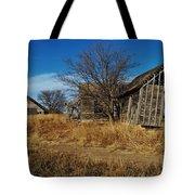 Kansas Farmhouse And Barn Tote Bag