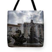 La Fontana Di Diana - Fountain Of Diana Silver Jets And Sky Drama Tote Bag