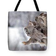 Landing Great Grey Owl Tote Bag