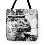 Large Flowerpot - Black And White Tote Bag
