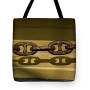 Large Rusted Chain And Its Shadow Tote Bag