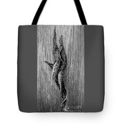 Leaf Entwined In Black And White Tote Bag