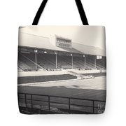 Leicester City - Filbert Street - Main Stand 1 - Bw - 1960s Tote Bag