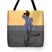 Lirio Tote Bag