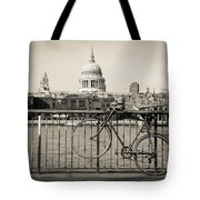 London Thames 1 Tote Bag